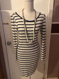 Woman's H&M Long Sleeve Dress, size medium  Los Angeles, 91331