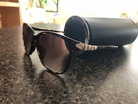 Black framed ray-ban sunglasses North Vancouver, V7L 1V6