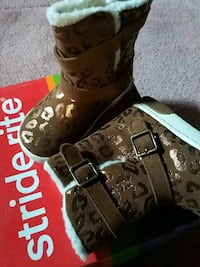 New with box Stride rite size 8 toddler boots