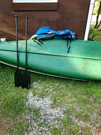 16 foot Canoe w/ 2 life jackets & 2 paddles Stonington, 06378