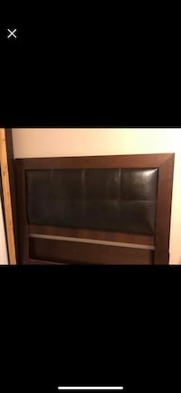 Bed frame queen size  Vancouver, V6P 2H1