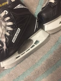 Black and white bauer ice hockey skate Whitby, L1P