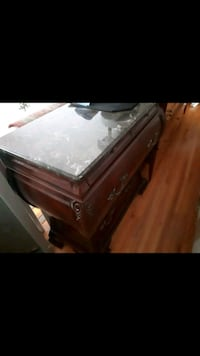 brown wooden 2-drawer chest Vaughan, L4L 3T1