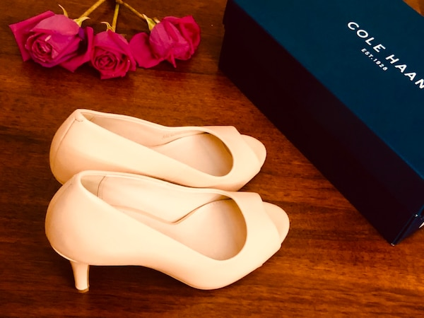 New pump sandals, Cole HAAN, size 8, color: Nude Leather 717c92a6-1aae-40dc-8483-fac1fbdd4c1d