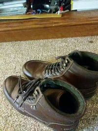 pair of brown leather low top shoes Stoneham, 02180