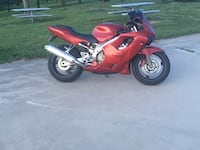 Red and black sports bike Circleville, 43113