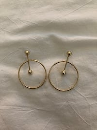 pair of gold-colored hook earrings Toronto, M5V 3Z9
