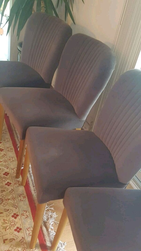4 comfortable chairs