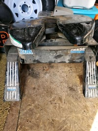 Reese 20k fifth wheel hitch Beaumont, T4X 1P2