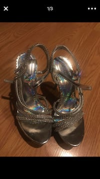 Heels size 5.5 Woodinville, 98072