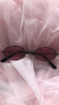 Black framed pink aviator sunglasses Hyattsville, 20782
