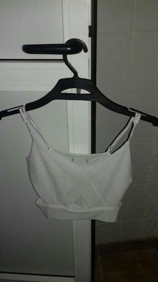Top bershka blanco