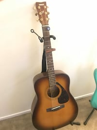 Yamaha acoustic guitar  Columbia, 21045