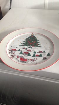 round white and red floral ceramic plate Casselman, K0A 1M0