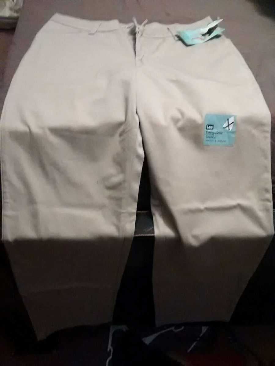 Photo Lee Relaxed Fit straight leg stretch fit size14