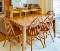 Solid Oak Kitchen Table, 4 Chairs and matching 2-person Bench Set Manassas Park, 20111