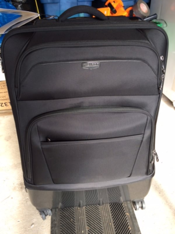 """Luggage $250 Expandable Checked Ricardo Beverly Hills Wilshire 28"""" new bcab8022-300b-45a1-94eb-7be090b98940"""