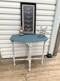 Vintage REFINISHED Distressed Cherry WD Accent Table.READ DESCRIPTION Bowie, 20716