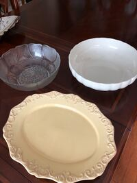 Serving platter and bowls. Sold as set Toronto