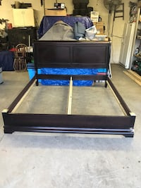 King Size Sleigh Bed in Good Condition Newton, 28658