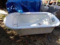 Antique clawfoot bathtub $500 OBO Washington, 20018