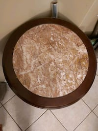 2 tier Marble top accent table Vaughan, L4H 1J9
