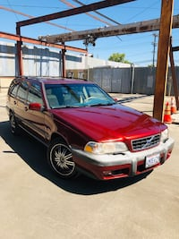 (2000 VOLVO V70 XC! 1 OWNER AND RUNS EXCELLENT! Los Angeles