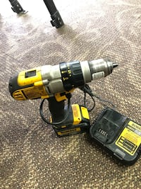 Dewalt Drill W / Charger !! Negotiable!! Baltimore, 21217