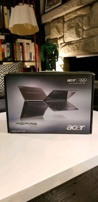 "ACER 11"" Laptop with Case and Box Toronto, M6H 3W3"