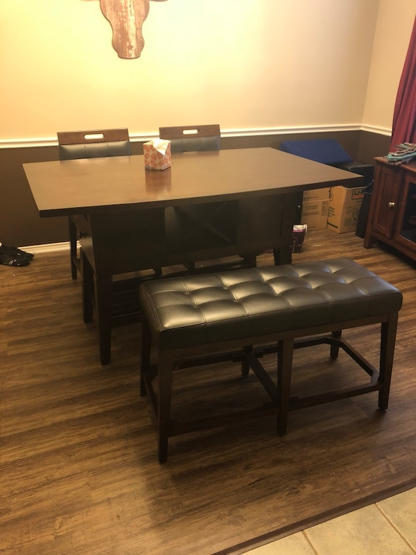 Brukt Dining room set. Two swivel chairs and bench. All padded ...