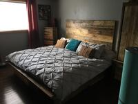 gray quilted bedspread 3128 km