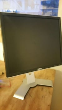 black Dell LCD computer monitor Prince George, V2N 5K8