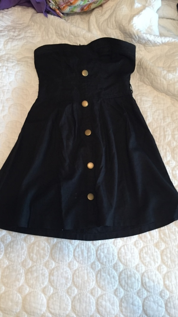 096cc58e053 Used Forever 21 black button-up tube mini dress for sale in Fisherville
