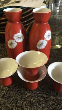red-white floral ceramic tea set Alexandria, 22302