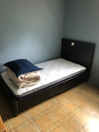 Twin bed set Burlington, L7R 2R7