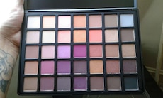 Women's make up palette kit