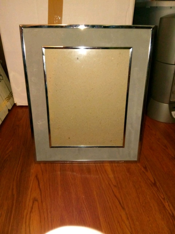 gray anf silver picture frame
