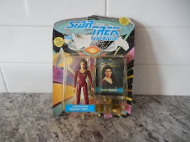 1993 Star Trek The Next Generation Councillor Deanna Troi *New in Package*. Please Note the Box/Package has some damage, plastic window is coming loose and some of the Graphics on the front ha