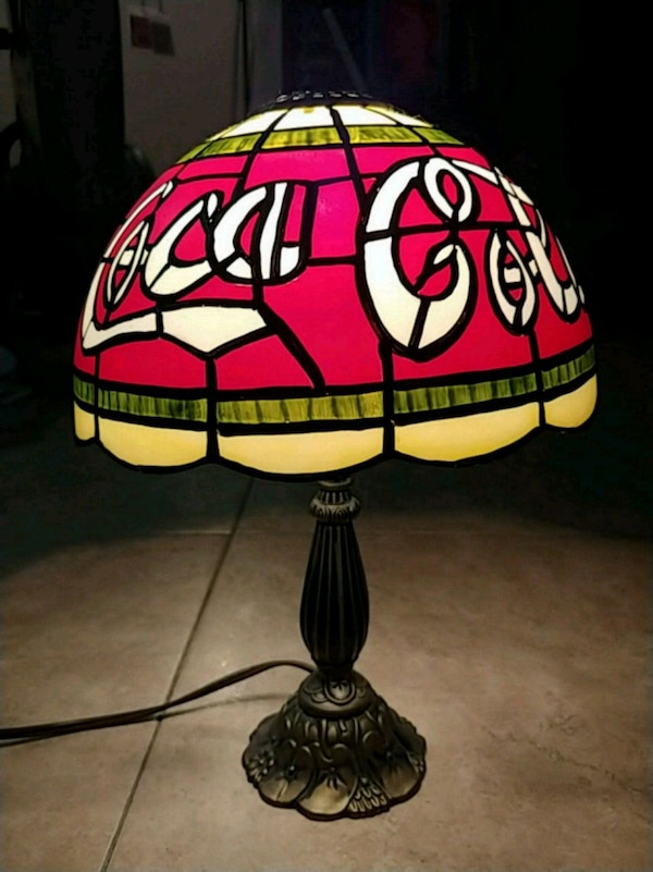 Coca Cola Stained Glass Lamp.Vintage Tiffany Style Coca Cola Stained Glass Lamp