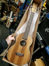 Ukulele new condition easy to play Yorkville, 60560