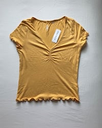 Brand New (tags still attached) yellow PacSun shirt. Orem, 84097