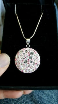 Pink silver necklace  London, N6K 3R5