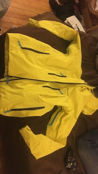 yellow full zip hoodie Minneapolis, 55415