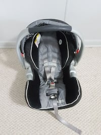 GRACO SNUGRIDE35 infant car seat Burnaby, V3N 1R4