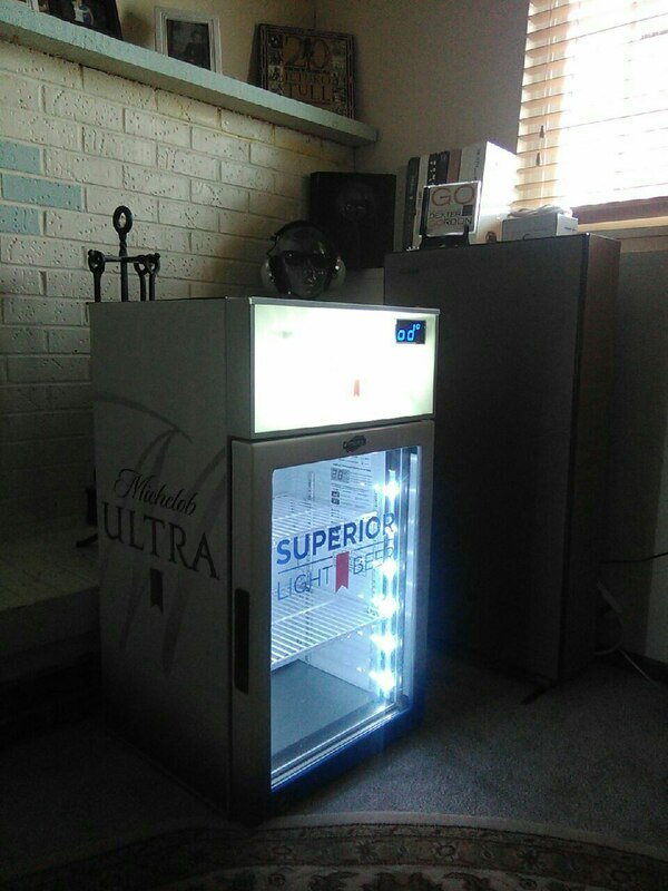 Used Michelob Ultra mini fridge for sale in Colorado Springs - letgo eb29b113a372