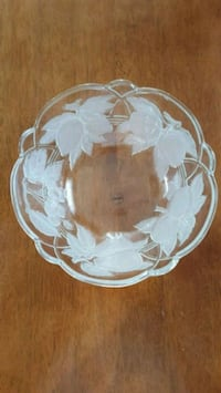 Glass serving bowl Middle River, 21220