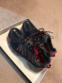North Face Hiking shoes 卡尔加里, T2M 0M1