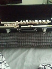 Flute with case Dunwoody, 30338