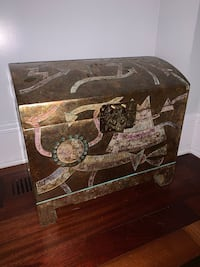 Beautiful Antique chest / trunk gold ornate Fairfield, 06825