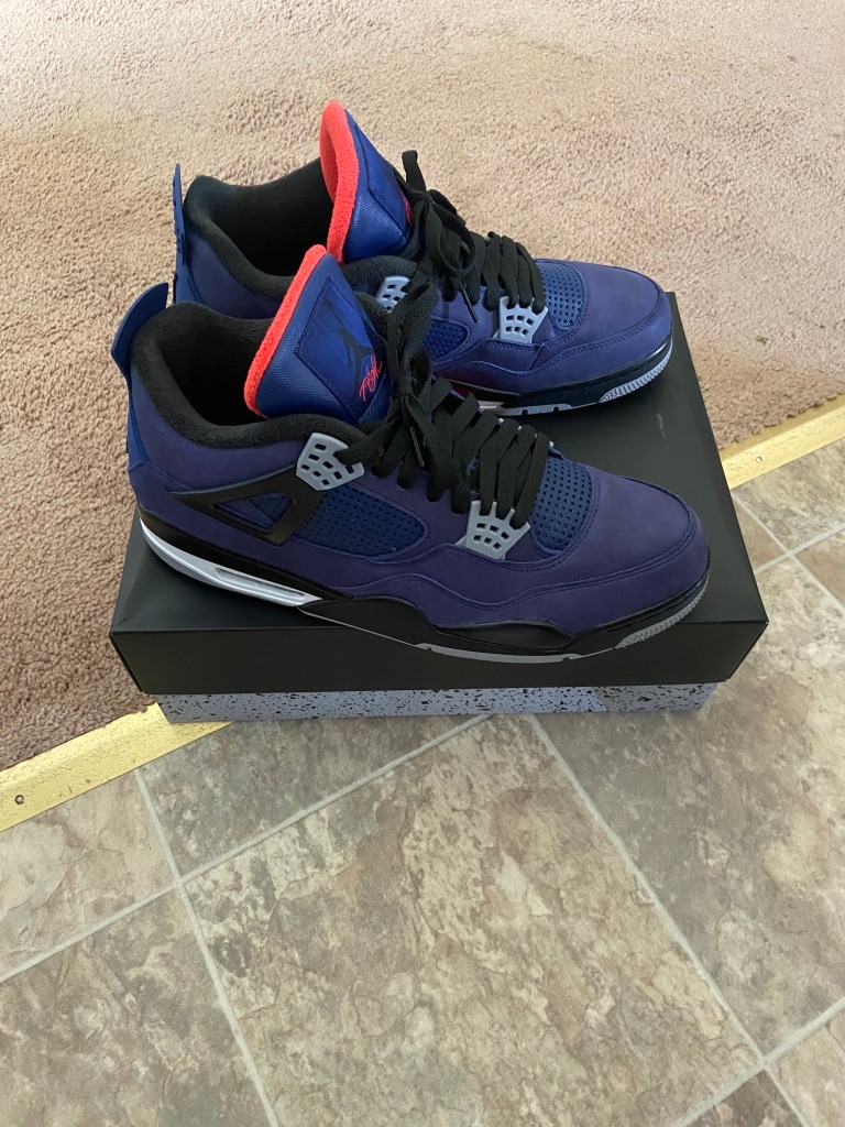 Photo Jordan Retro 4 wntr Size 13